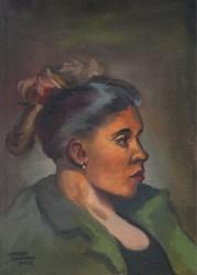 Mulher com casaco verde